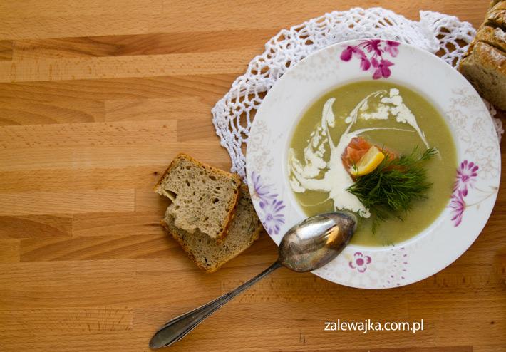 przepis-na-zupe-brokulowa-z-lososiem
