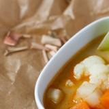 Tajska zupa kalafiorowa